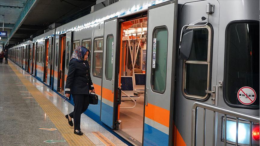 Yenikapı-Hacıosman metrosu cumartesi günleri de 8'li trenlerle hizmet verecek
