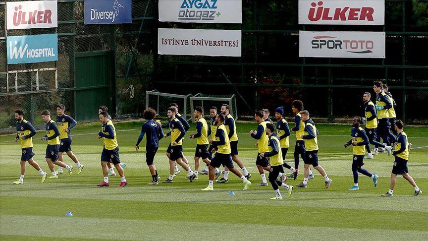 Fenerbahçe ikinci yarı hazırlıklarına yarın başlayacak!