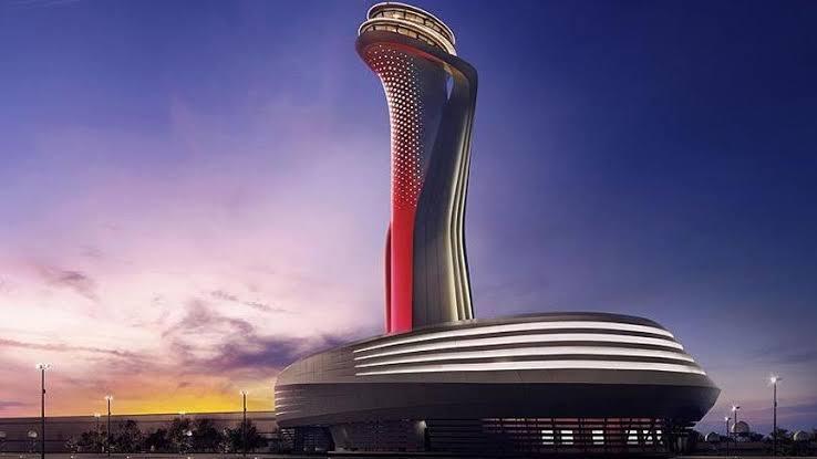 İstanbul Havalimanı, Sabiha Gökçen Havalimanı'ndan yönlendirilen 50 uçağa hizmet verdi