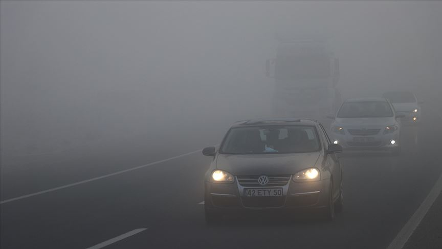 Bolu'da sis etkili oluyor!