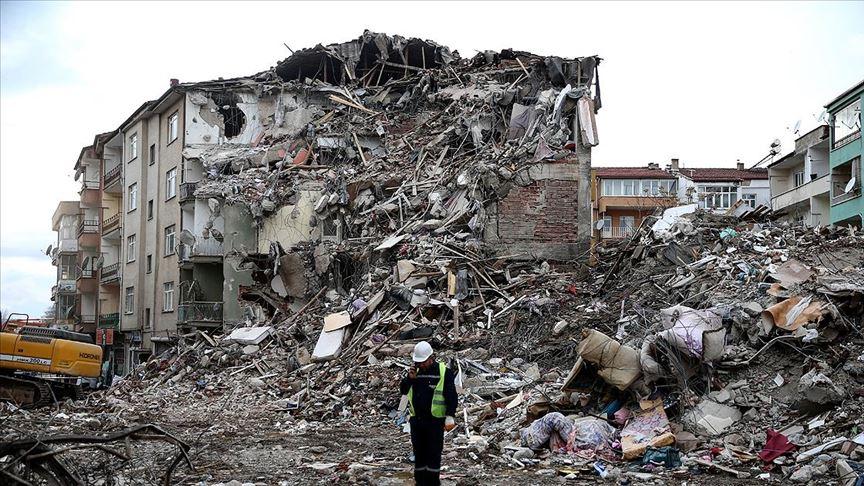 Elazığ ve Malatya için toplanan yardım 87 milyon lirayı aştı!
