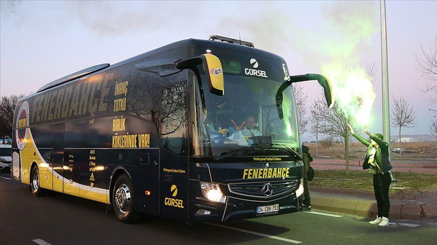 Trabzon Valiliği'nden 'Fenerbahçe otobüsüne silah teşhiri' iddialarına yanıt