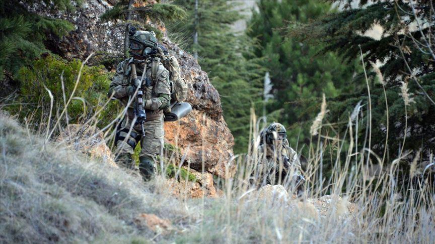 MSB: PKK/YPG'li 3 terörist daha teslim oldu!