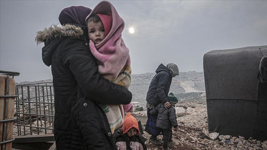Son 6 günde 148 bin sivil daha Türkiye sınırı yakınlarına göç etti