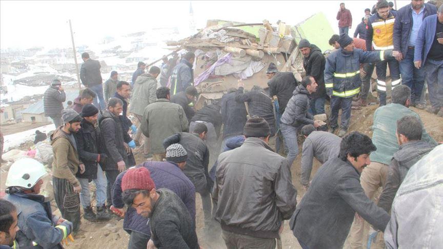 İran merkezli depremde Van'da 7 kişi hayatını kaybetti!