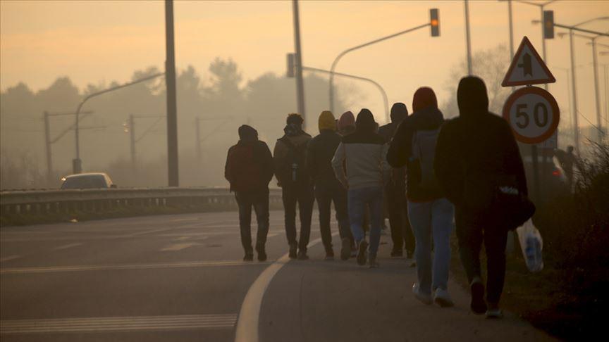 Düzensiz göçmenler Avrupa sınırına ilerliyor!