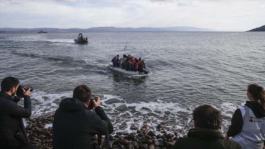 Ve düzensiz göçmenler Midilli'ye doğru geliyor...