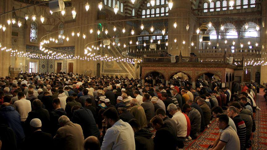 Tüm camilerde 'birlik ve beraberlik' konulu cuma hutbesi okunacak!