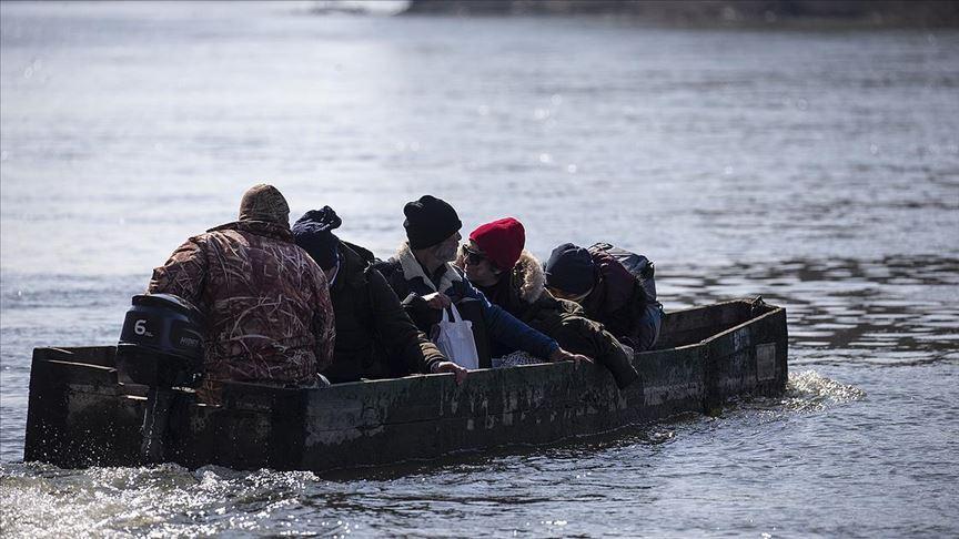 Çok sayıda düzensiz göçmen Meriç Nehri üzerinden Yunanistan tarafına geçti