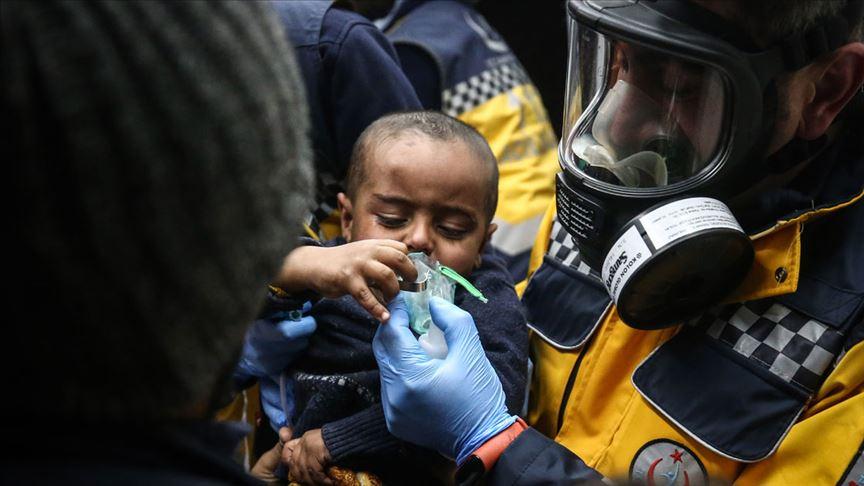 Yunan askerleri sığınmacılara gaz bombalarıyla müdahale etti