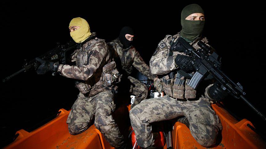 Özel harekatçılar Yunan sınırında gece gündüz devriyesini sürdürüyor