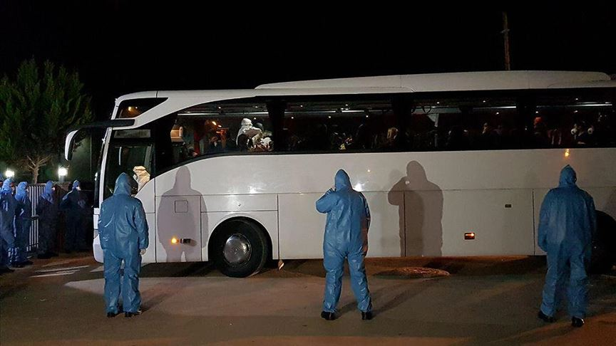 İstanbul Cumhuriyet Başsavcılığı: Karantina otobüsünden alınan yolcu ambulansla ilgili kuruma sevk edildi