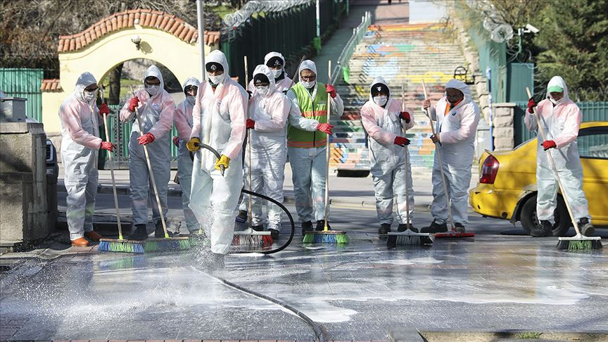 Ankara Büyükşehir Belediyesi, merkez caddeleri de dezenfekte edecek!