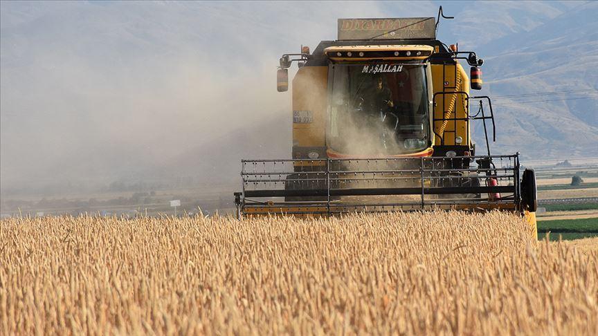 Çiftçilere bugünden itibaren yaklaşık 2 milyar lira destek ödemesi yapılacak
