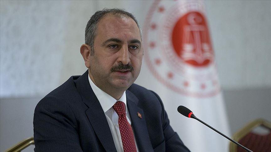 Adalet Bakanı Gül: Kovid-19'la bağlantılı olarak 750 kişi hakkında soruşturma başlatıldı