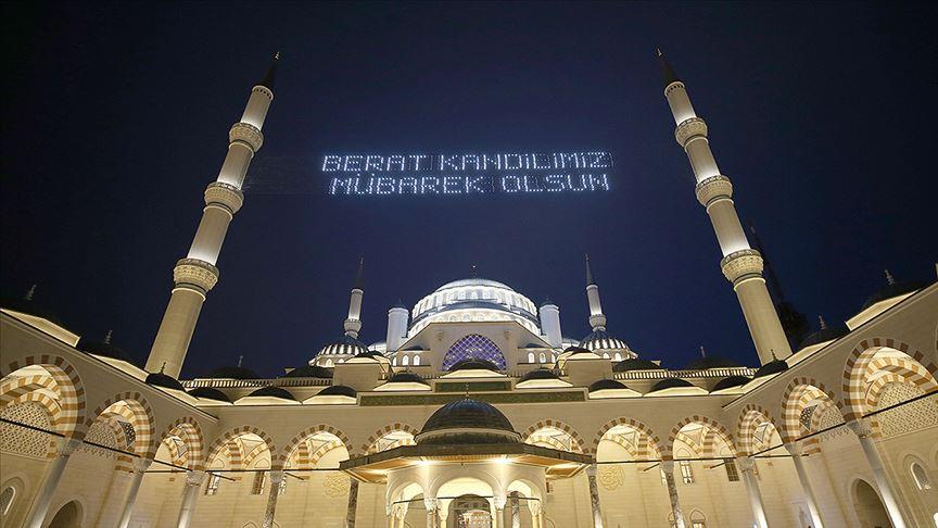 """BUGÜN BERAT KANDİLİ"""