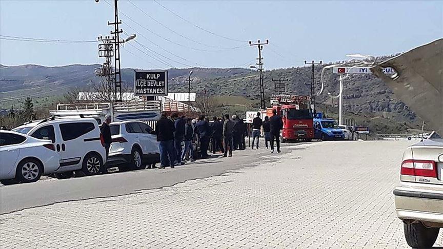 PKK'lı teröristler Kulp'ta yine odun toplamaya giden köylüleri hedef aldı