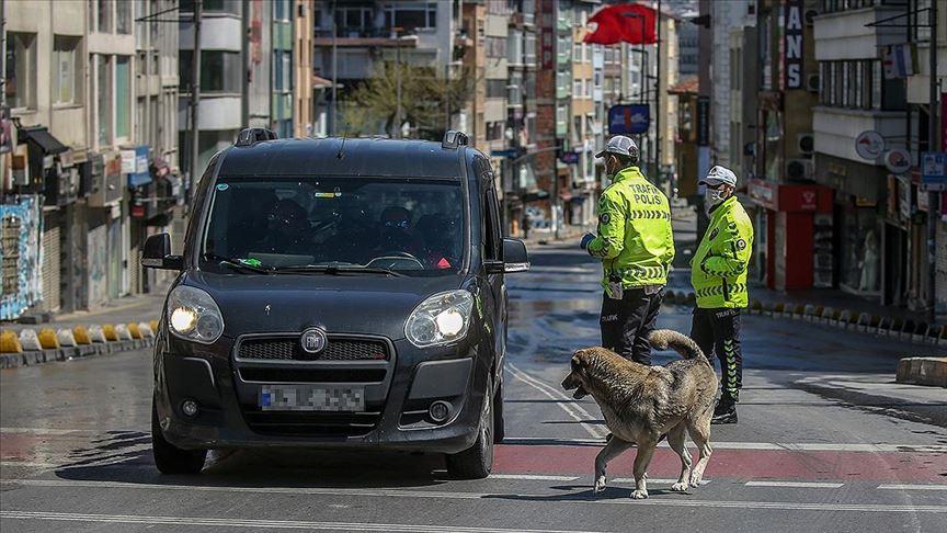 İstanbul'da sokağa çıkma yasağı denetimlerinde 8 milyon 406 bin lira ceza kesildi