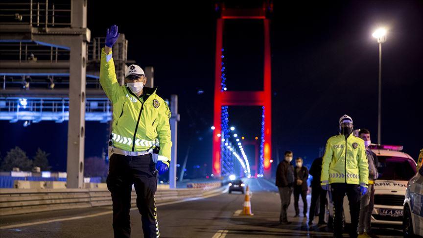 İstanbul'da sokağa çıkma kısıtlamasına uymayanlara ceza