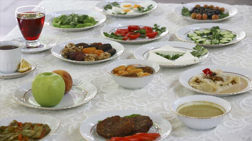 Ramazan dengeli ve planlı beslenmeyle sağlığa sağlık katıyor