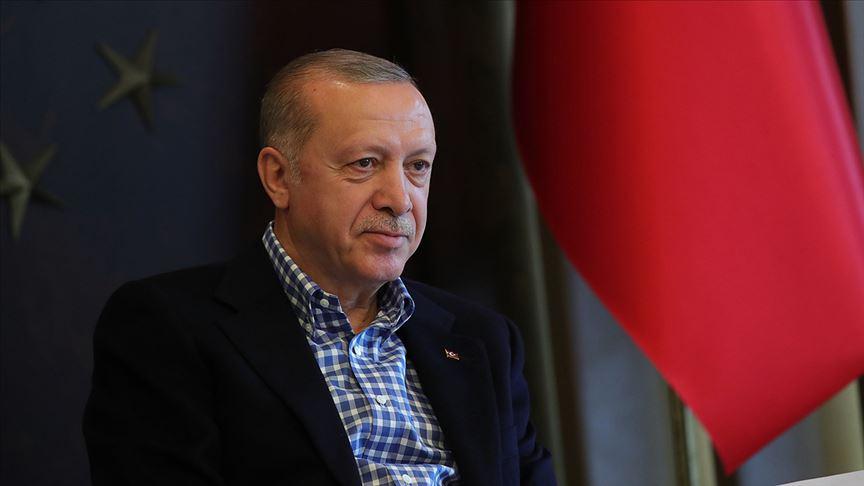 Cumhurbaşkanı Erdoğan İsveç'ten Türkiye'ye getirilen Emrullah Gülüşken'in kızı ile telefonda görüştü