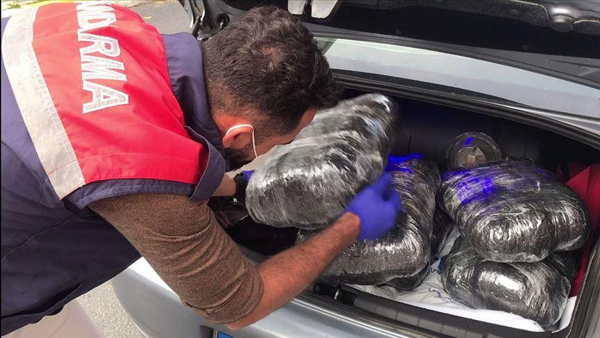Jandarma operasyonunda 76 kilogram uyuşturucu madde ele geçirildi!