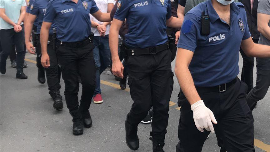 Kiralık araçlar üzerinden dolandırıcılık yaptıkları öne sürülen 22 kişi yakalandı