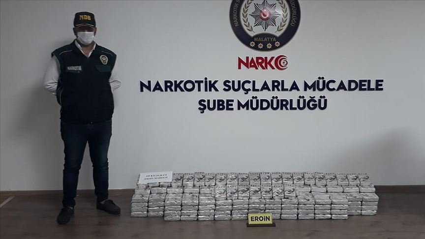 Malatya'da kamyon kasasına gizlenmiş 195 kilogram eroin ele geçirildi