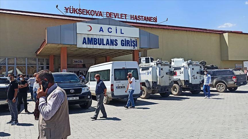 Hakkari Yüksekova'da bir araç uçuruma devrildi!