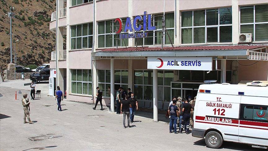 Hakkari'de zırhlı araç devrildi: 2 ŞEHİT