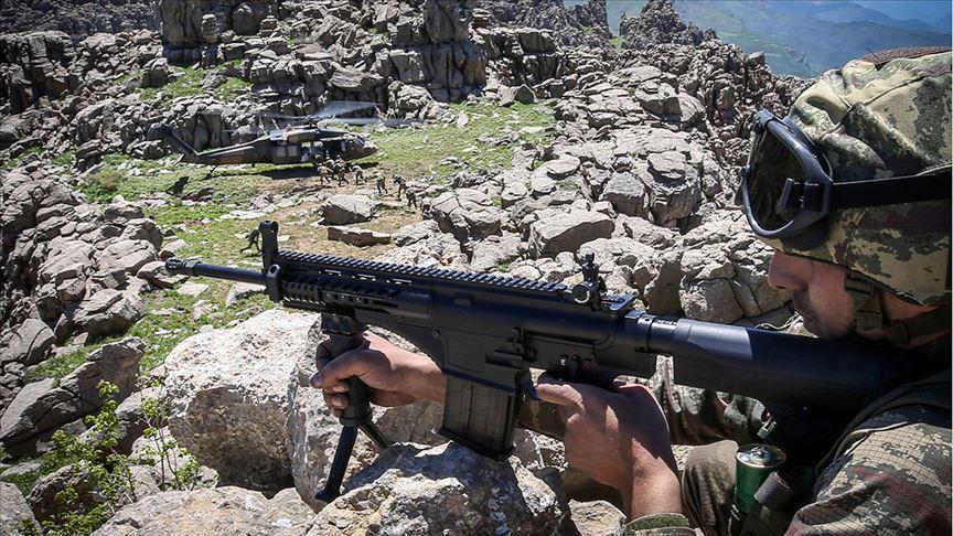 Zeytin Dalı bölgesinde 19, Barış Pınarı bölgesinde de 2 PKK/YPG'li terörist yakalandı