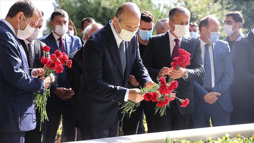 Merhum Başbakan Adnan Menderes mezarı başında anıldı