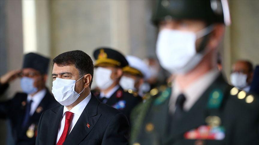 Ankara Valisi Şahin ve beraberindeki heyet, Anıtkabir'i ziyaret etti!