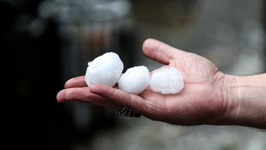 İstanbul'da yağış ve dolu akşama kadar etkili olacak!