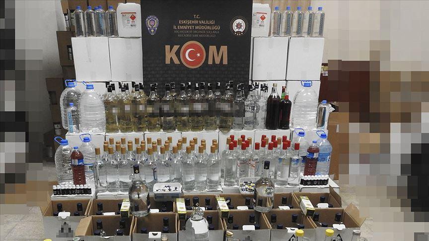 Eskişehir'de 477 litre sahte ve kaçak içki ele geçirildi!
