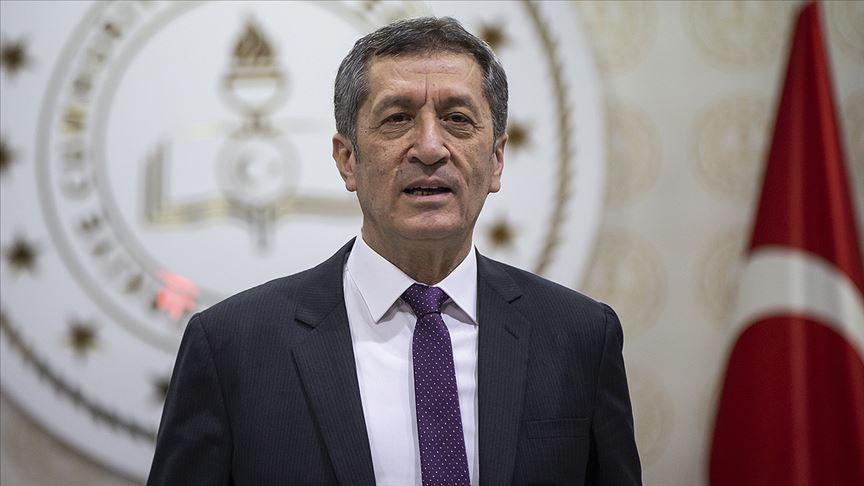 Milli Eğitim Bakanı Ziya Selçuk'tan velilere tablet dağıtımına ilişkin uyarı