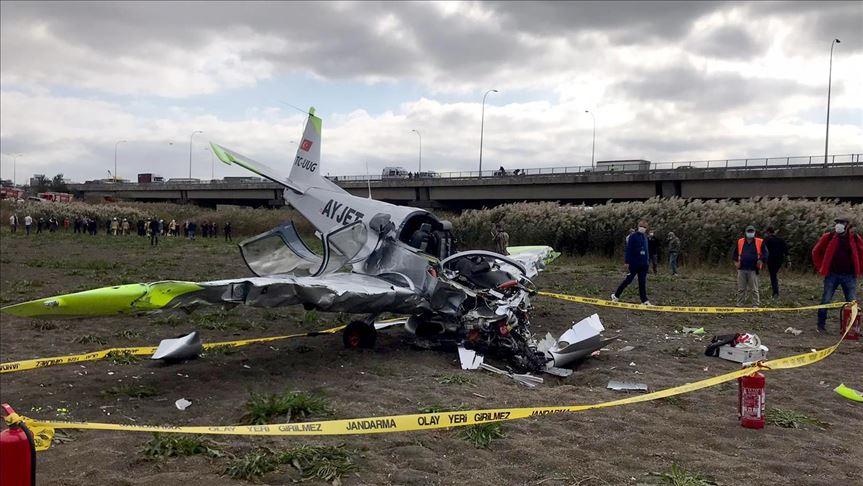 İstanbul'da eğitim uçağı düştü, pilotaj öğrencisi yaralı kurtarıldı