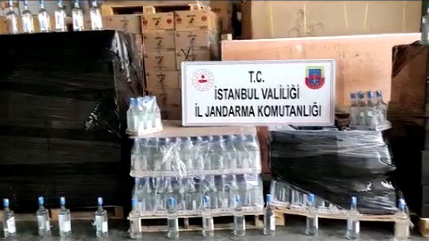 İstanbul'da jandarmanın düzenlediği operasyonda 2,5 ton sahte içki ele geçirildi