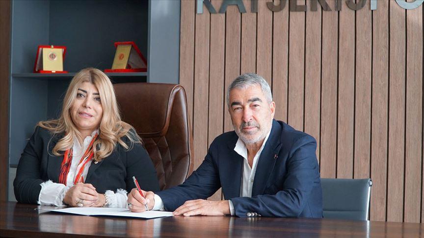 Teknik direktör Samet Aybaba Kayserispor'la sözleşme imzaladı