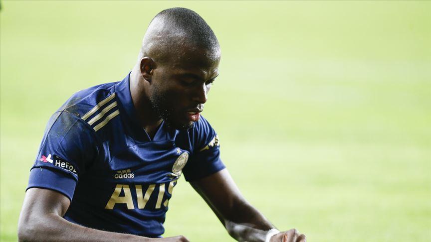 Fenerbahçeli futbolcu Valencia'nın Kovid-19 testi pozitif çıktı!