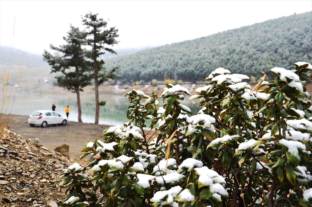 Konya'da kar yağışıyla beraber etkili olan sis güzel görüntüler oluşturdu