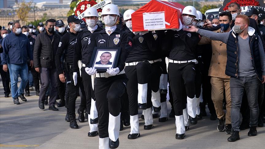 Mersin'de midibüsün devrilmesi sonucu şehit olan polis için tören düzenlendi