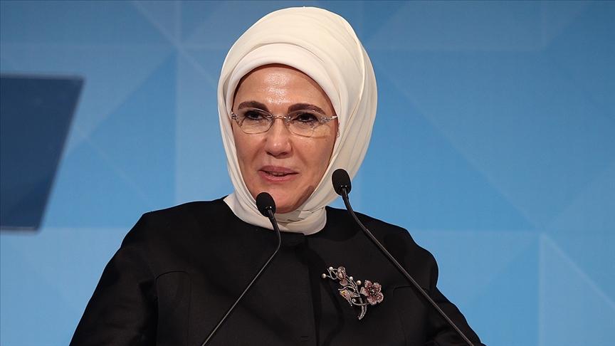 """Emine Erdoğan """"5 Aralık Dünya Kadın Hakları Günü""""nü kutladı"""