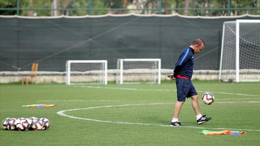 Süper Lig'e teknik direktör dayanmıyor