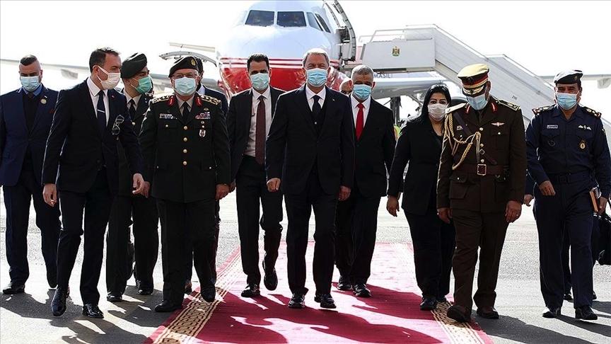 Bakan Akar ve Orgeneral Güler resmi ziyaret için Irak'ta..