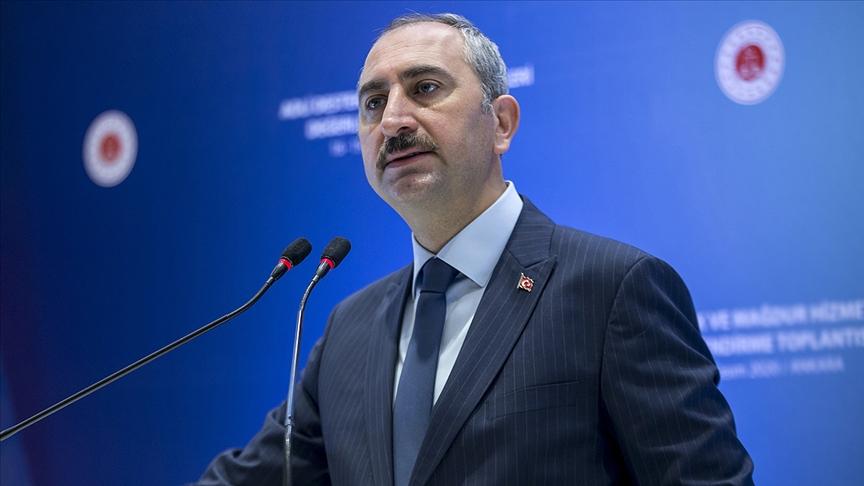 Adalet Bakanı Gül: Adalet Bakanının hakim, savcı cübbesi yoktur!