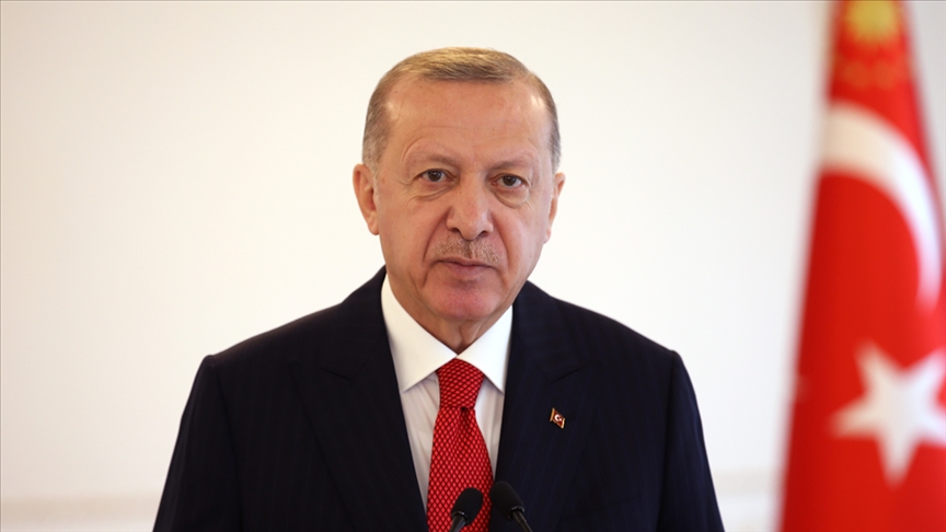 Cumhurbaşkanı Erdoğan, saldırıya uğrayan geminin kaptanı ile görüştü!