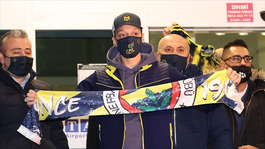 Fenerbahçe, Mesut Özil'in transferi için Arsenal ile anlaştığını açıkladı!