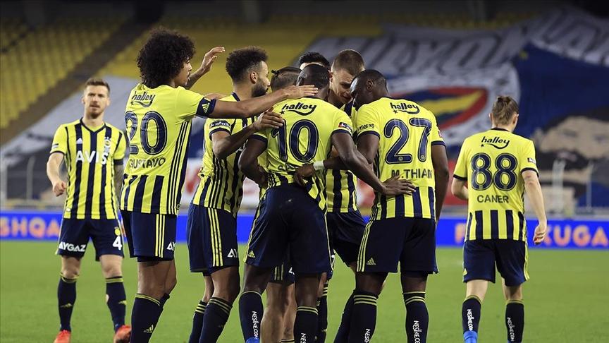 Fenerbahçe 3 puanı 3 golle aldı!