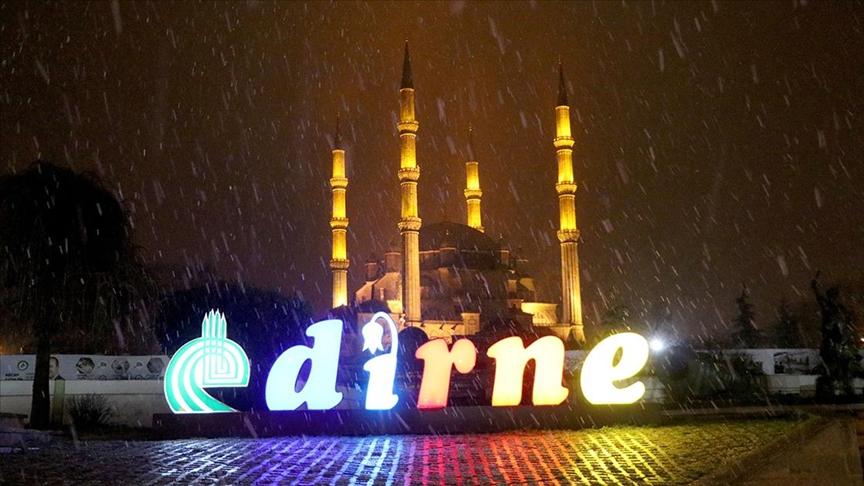 Edirne'de kar yağışı başladı!